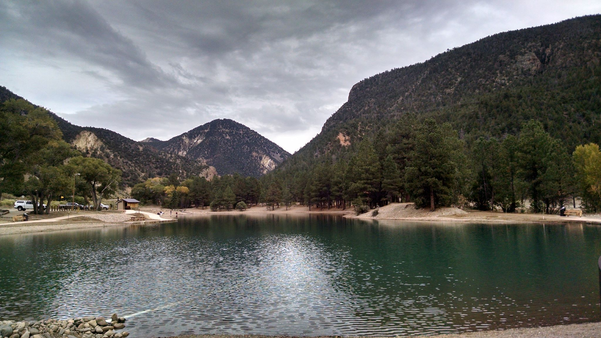Eagle_Rock_Lake_Questa,_NM